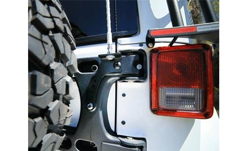 4838220 image - 4838220-teraflex-JK-hinged-tire-mount-2.jpg